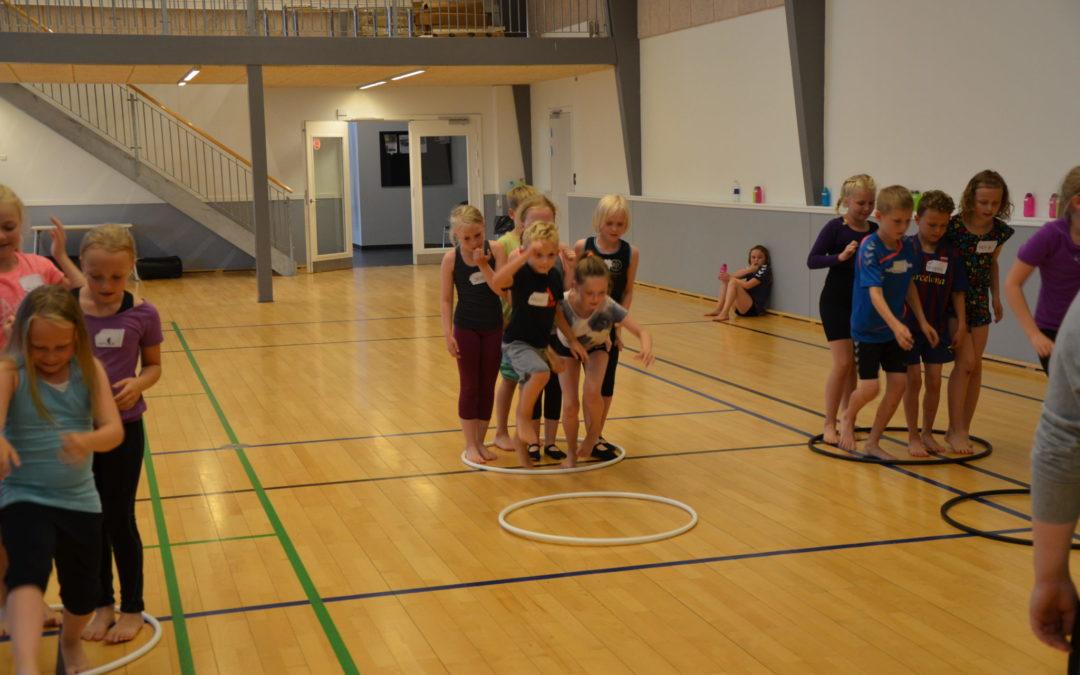 Fodboldskole eller gymnastikskole – hvad skal dit barn?